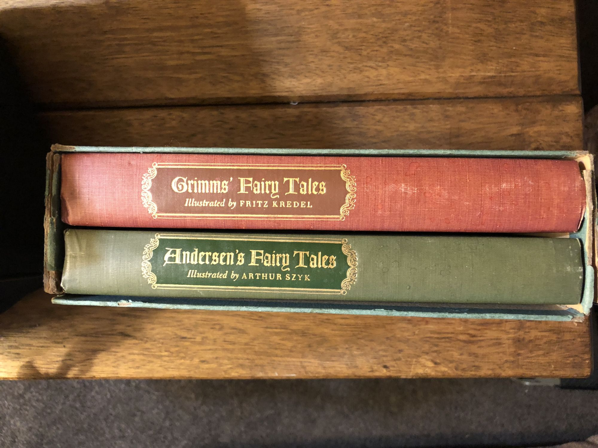 Grimms' Fairy Tales and Andersens' Fairy Tales